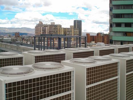 universidad de los Andes edificio Julio Mario Santo Domingo